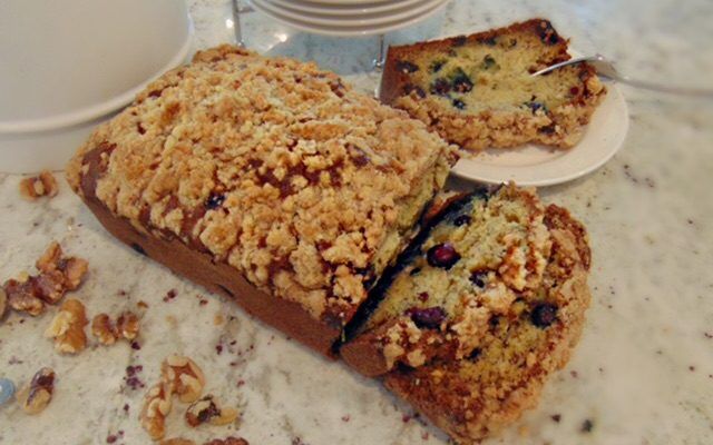Blueberry-Banana Bread with Sweet Walnut Crumbles